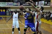 BasketUdeConce salvó una dura semana ganándole a Los Leones